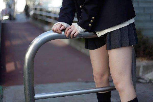 【画像】女子高生がパンツで直接座った後のサドルがヤバすぎ抜いたwwwww